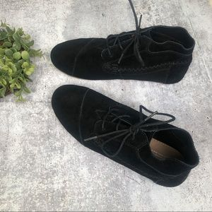 Toms 10 Black Suede Bootie Lace Up Ankle High